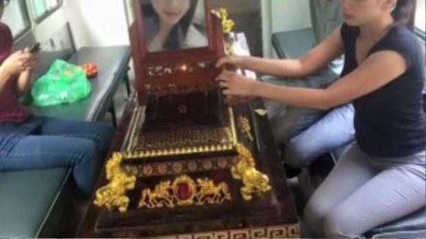 Hình ảnh được chụp trong đám tang của nạn nhân tại quê nhà Bắc Giang.