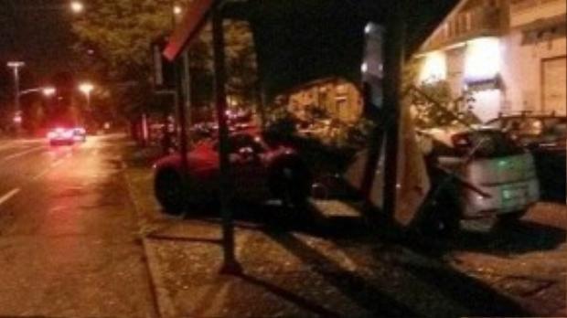 Hiện trường vụ tai nạn mà chàn hậu vệ CLB của Ý gây ra.