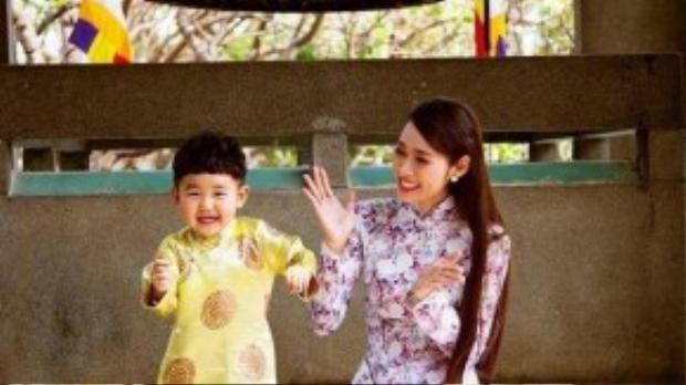 Sau ly hôn, Diệp Bảo Ngọc được quyền nuôi con trai. Cô cật lực đóng phim, kinh doanh mỹ phẩm để có thêm thu nhập.