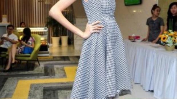 Hồng Xuân - người mẫu sở hữu chiều cao 1,9 m của chương trình Vietnam's Next Top Model năm nay.