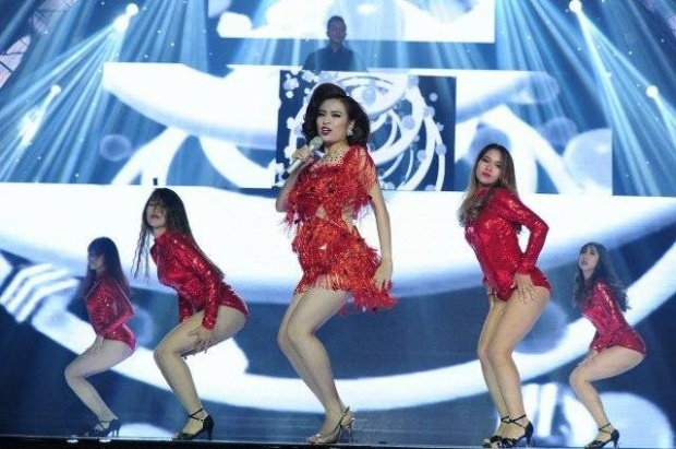 Loạt sao nữ V-pop gắn liền với những màn vũ đạo nóng bỏng