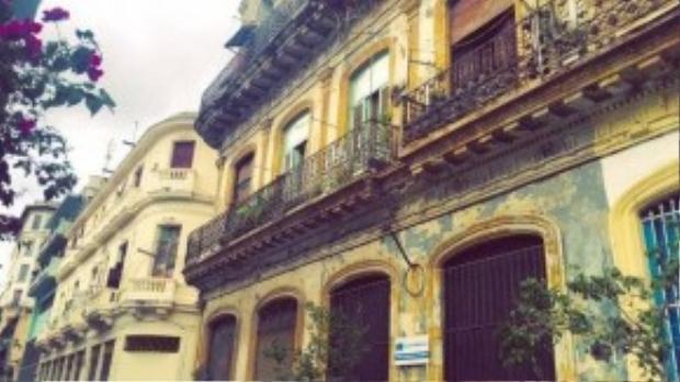 Một ngôi nhà cổ đã nhuốm màu thời gian.