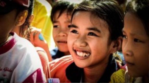 Niềm vui của người nhận chính là điều hạnh phúc nhất mà người thực hiện chương trình từ thiện có được, bởi vì hạnh phúc ấy là vô giá.