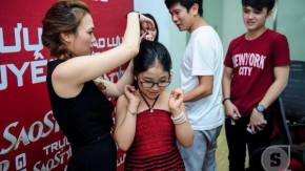 Đặc biệt, Hồng Minh là một trong fan trung thành của ca sĩ Mỹ Tâm và em đã có dịp gặp được thần tượng của mình khi tham gia vào chương trình Giọng hát Việt nhí 2015.