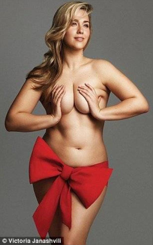 Bộ ảnh khỏa thân tôn vinh vẻ đẹp tự nhiên của phụ nữ