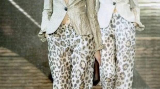 Show diễn Xuân 2007 của nhà mốt Armani ngập tràn quần ống rộng in họa tiết da báo với những phá cách mới mẻ tạo hình đốm da báo như những bông hoa đang nở.