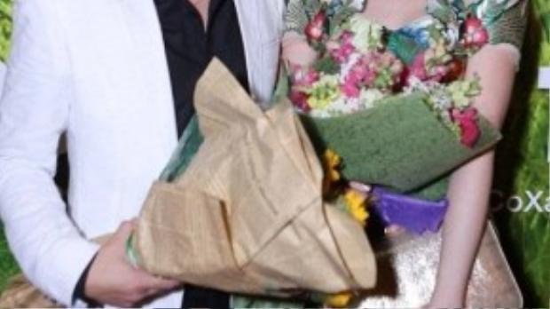 Trong buổi ra mắt phim Tôi thấy hoa vàng trên cỏ xanh tại TP HCM vào tối 29/9, Đinh Ngọc Diệp cũng đến chúc mừng bạn trai. Tuy nhiên, cô luôn né tránhcâu hỏi về việc kết hôn.