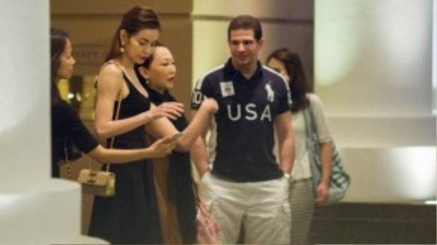 Kết thúc buổi ăn tối, Hà Hồ và ông Randy Dobson tiễn bác sĩ Eri lên xe ra sân bay về Nhật, kết thúc 3 ngày bà lưu lại Việt Nam.
