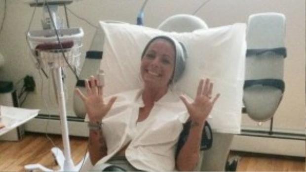 Cô lưu giữ hết hình ảnh của mình trong quá trình điều trị nhưng không đăng tải rộng rãi.