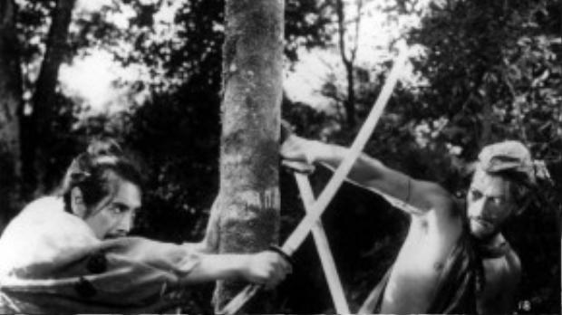 Đứng thứ hai cũng là một tác phẩm nổi tiếng khác đến từ điện ảnh xứ sở hoa anh đào:Rashomoncủa đạo diễn Akira Kurosawa.