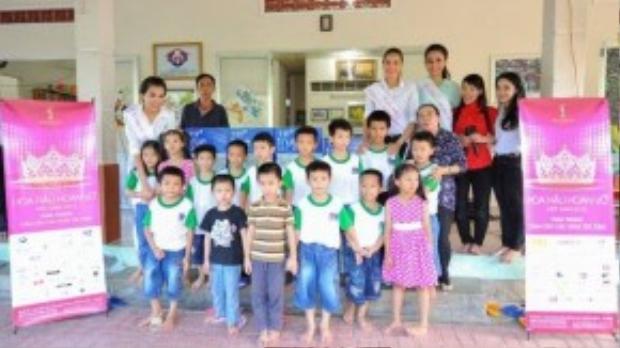 Top 3 tham gia từ thiện nhiệt tình và vui vẻ cùng các em nhỏ tại mái ấm Thiện Tâm, Phước Đông, Nha Trang.