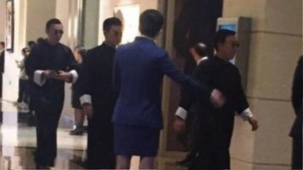 Dàn phù rể danh giá: Vương Tư Thông, Đồng Đại Vỹ, Tiểu Thẩm Dương.