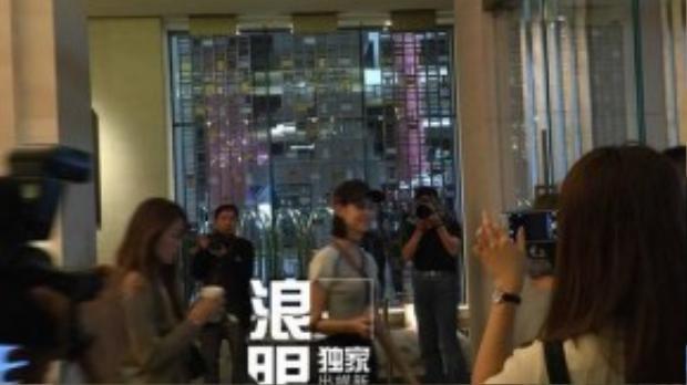 Kiko Mizuhara lặn lội từ Nhật có mặt trong lễ rước dâu.