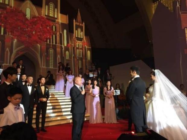 Trọn vẹn đám cưới thế kỷ của Angela Baby và Huỳnh Hiểu Minh