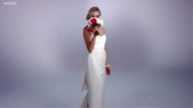 Năm 2005, váy cưới được đơn giản hết mức có thể, cup ngực lên ngôi bắt đầu cho thời kỳ hoàng kim của dạng thiết kế này.