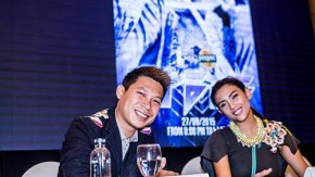 Võ Hoàng Yến và cộng sự của cô DJ Kaiser T trong buổi họp báo tại Hà Nội chiều qua.