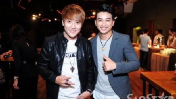Hai thành viên nhóm La Thăng cùng hội ngộ tại buổi ra mắt game show Ca sĩ giấu mặt.