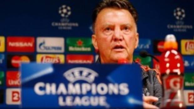 """3. Louis Van Gaal (Manchester United- 7,3 triệu bảng/ mùa): Mức lương 7,3 triệu bảng hoàn toàn xứng đáng với tài năng của một trong những chiến lược gia hàng đầu thế giới. Hợp đồng của Van Gaal với đội chủ sân Old Trafford sẽ hết hạn vào năm 2017, tuy nhiên, """"Tulip thép"""" khẳng định sẽ không gia hạn thêm."""