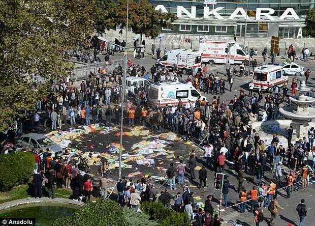 Những hình ảnh thảm khốc trong vụ đánh bom đẫm máu tại Thổ Nhĩ Kỳ