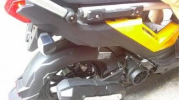 Theo Honda Thái Lan, Zoomer-X mới có mức tiêu hao nhiên liệu 1,6 lít/100 km trên đường hỗn hợp. Đây là loại động cơ được sử dụng trên chiếc Honda Vision tại Việt Nam.