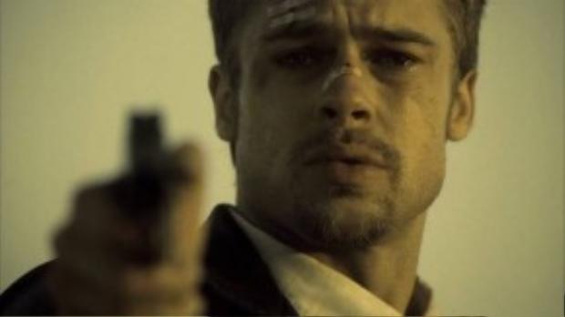Brad Pitt không kém phần quyến rũ trong một tác phẩm kinh dị đẫm máu.