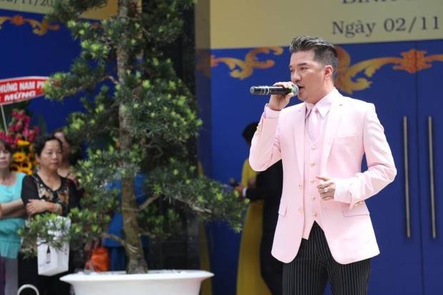 Phượng Vũ bị Mr. Đàm 'vò đầu bứt tóc' khi quay clip hát nhép
