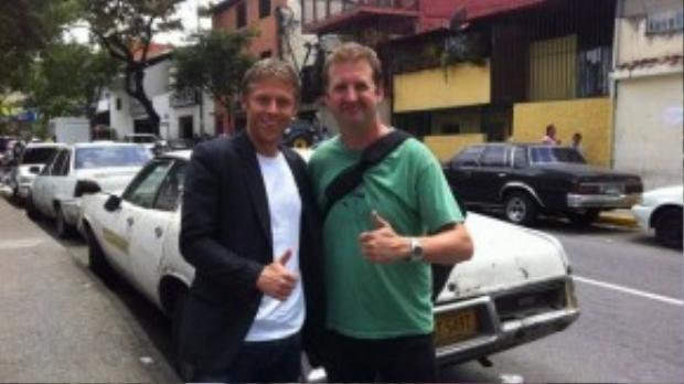 Garfors lập Kỷ lục Guinness thế giới sau khi tới 5 châu lục trong một ngày vào năm 2012 cùng một người bạn đồng hành - Adrian Butterworth.