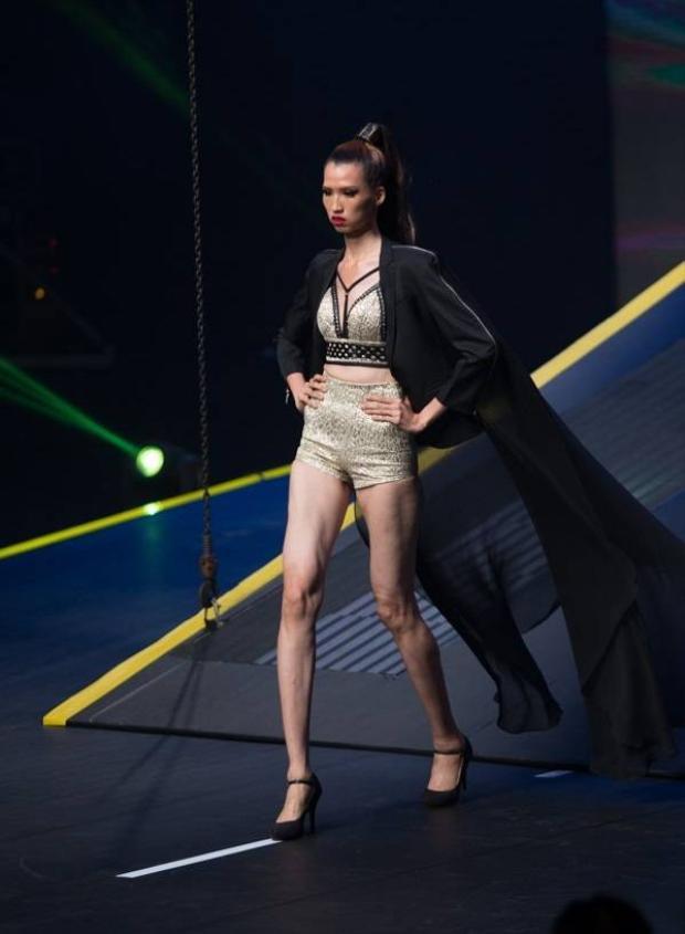 Hồng Xuân vẫn bực tức việc bị Hương Ly giẫm chân ở Vietnams Next top Model