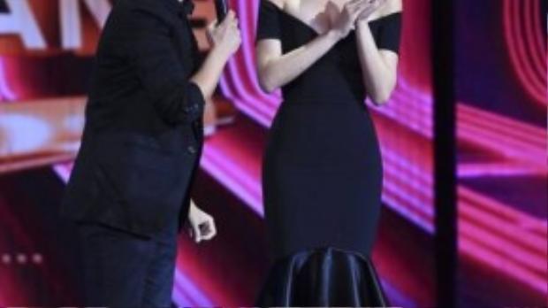 Tóc Tiên xuất hiện trong chương trình âm nhạc The Winner Is với vai trò giám khảo.