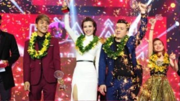 Đông Nhi đăng quang ngôi vị quán quân The Remix mùa đầu tiên.