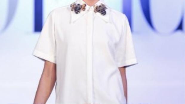 Cô diện một thiết kế nằm trong bộ sưu tập Dzung Yoko for KIN CONCEPT.