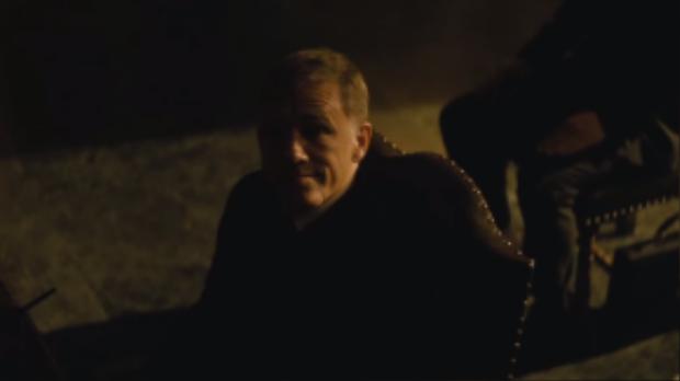 Kẻ ác được đạo diễn cho sống lại quá nhiều lần và chỉ xuất hiện kể câu chuyện về cuộc đời của Bond.