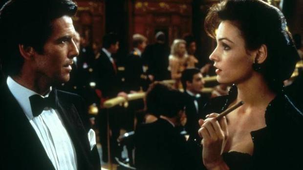 James Bond chẳng thể sống nổi khi thiếu vắng Bond Girls