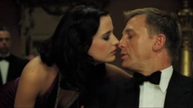 Casino Royale là phần phim thứ 21 về điệp viên 007. Đây được đánh giá là tác phẩm Bond hay nhất trong các phim Daniel Craig tham gia.