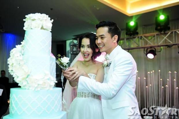 Nước mắt, nụ cười hạnh phúc trong hôn lễ của Văn Anh và Tú Vi