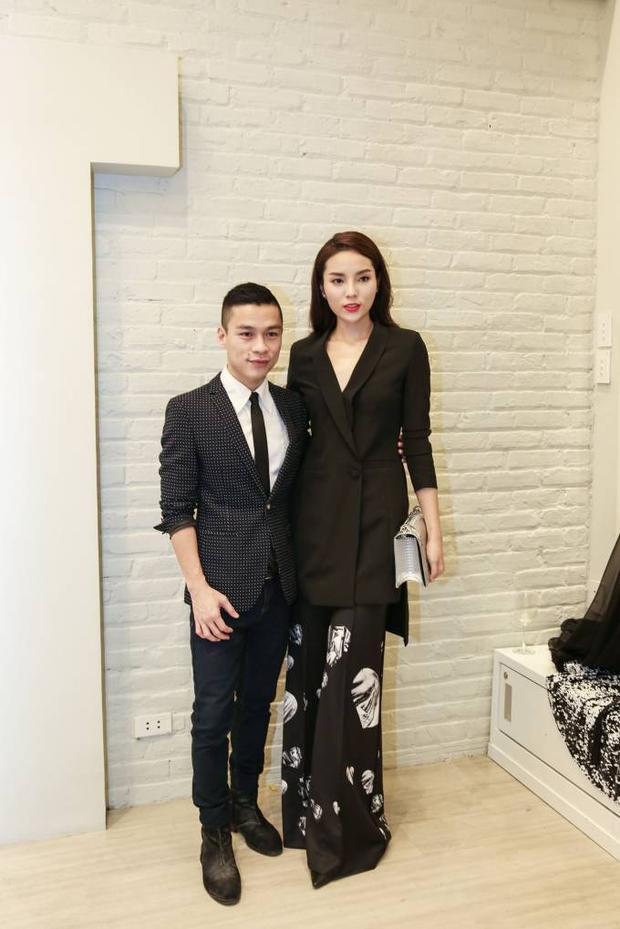 Hoa hậu Kỳ Duyên diện tông đen quý phái dự tiệc cùng Adrian Anh Tuấn