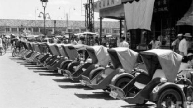 Những chiếc xe cyclo máy một thời là phương tiện phổ biến ở Sài Gòn giờ đã biến mất - Ảnh: LIFE.