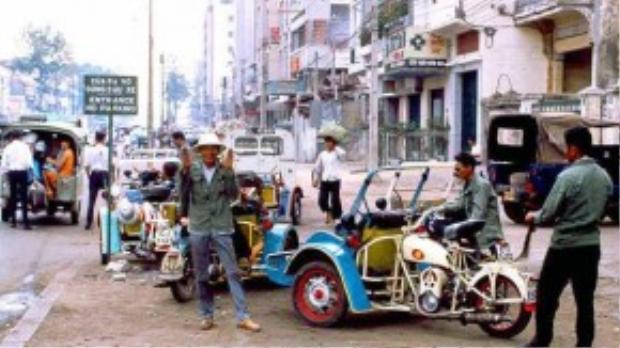 Những bác tài xế cyclo máy Sài Gòn xưa trên đường phố Sài gòn trước 1975 - Ảnh tư liệu.