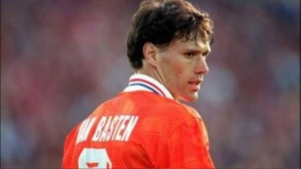 Van Basten vì chấn thương giã tữ sự nghiệp cầu thủ trong tiếc nuối của người hâm mộ
