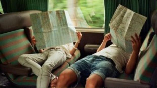Du lịch cùng nhau có thể khiến mối quan hệ của hai bạn rẽ sang bước ngoặt mới. Ảnh: anvivoyage.