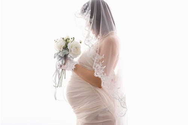 Tử vi phụ nữ nào có con trước hôn nhân lại là chuyện tốt?