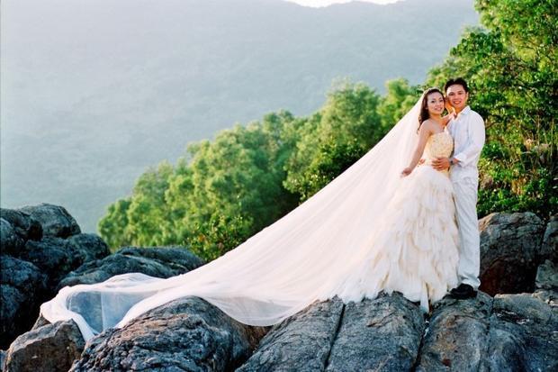 MC Huyền Ny tiết lộ ảnh cưới 10 năm trước