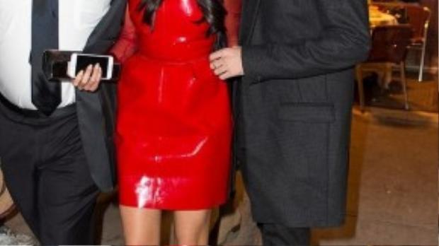 Samuel Krost - được biết đến là bạn rất thân của siêu mẫu Gigi Hadid.Sau khi chia tay Justin Bieber, nữ ca sĩ dường như gặp khó trong chuyện tìm đối tượng mới.