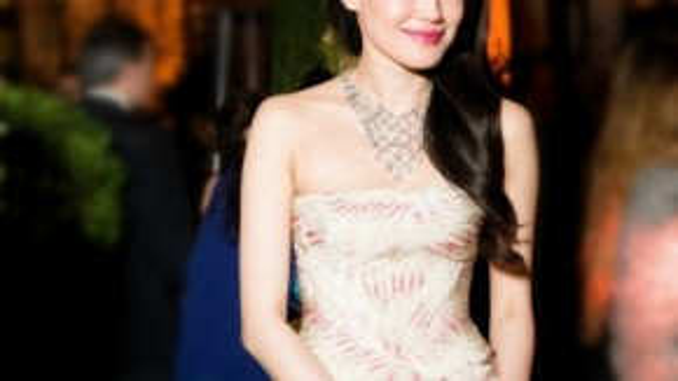 Người đẹp Đài Loan tỏa sắc trong một sự kiện ở Rome (Ý) với bộ váy đơn giản, vẫn đầy mê lực.