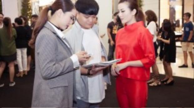 Riêng Trịnh Tú Trung đã là khách mời danh dự của tuần lễ thời trang này 4 năm liên tiếp.