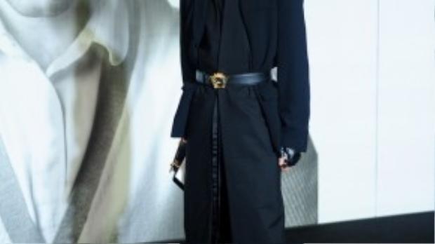 Fashionista Kelbin Lei tại một sự kiện fashion show với phong cách thời trang cá tính không lẫn vào đâu.