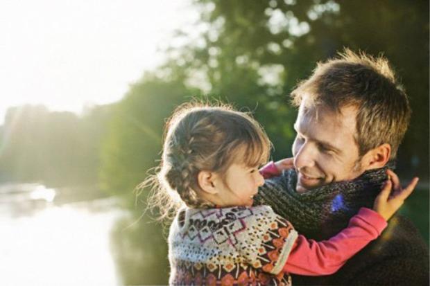 Thái độ của 12 chòm sao cha với tình yêu mới lớn của con gái