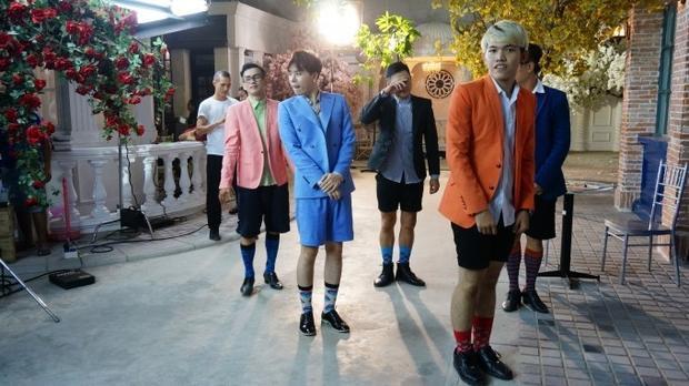 Trịnh Thăng Bình dùng đủ chiêu  'cưa cẩm' hot girl trong MV mới