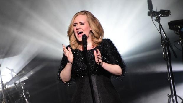 Album lịch sử của Adele bị lộ toàn bộ trước ngày ra mắt