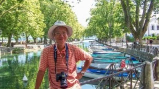 Thầy Phương tại thành phố Annency, nước Pháp.
